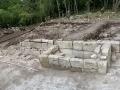 Гробница у стены храма