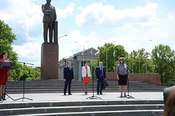 20 мая 2016 г. на площади Ленина в городе Симферополе состоялась Всекрымская Ярмарка вакансий