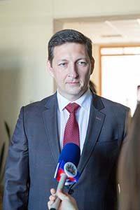 заведующий кафедрой маркетинга, торгового и таможенного дела Виктор Реутов